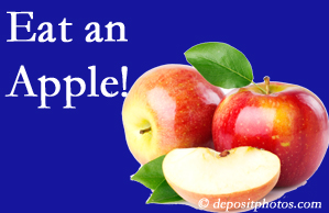 Largo chiropractic care encourages healthy diets full of fruits and veggies, so enjoy an apple the apple season!